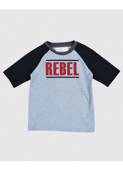 REBEL remera celeste y azul estampada nene